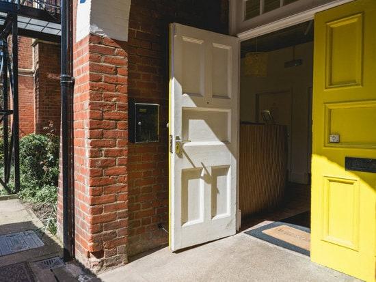 yellow+door